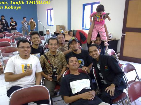 https://triyantobanyumasan.files.wordpress.com/2011/02/me-n-taufik-tmc-blog.jpg