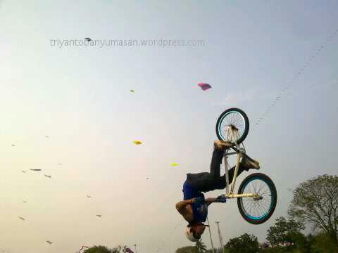 bmx salto.jpg