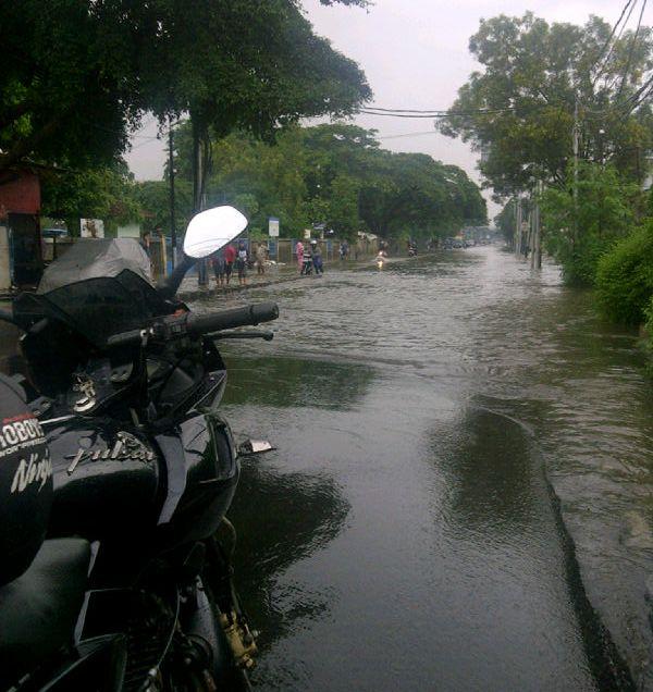 Jalan Sekitar Mega Mall Pluit