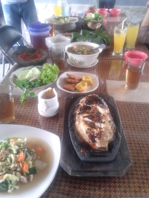 aneka menu resto abah '9