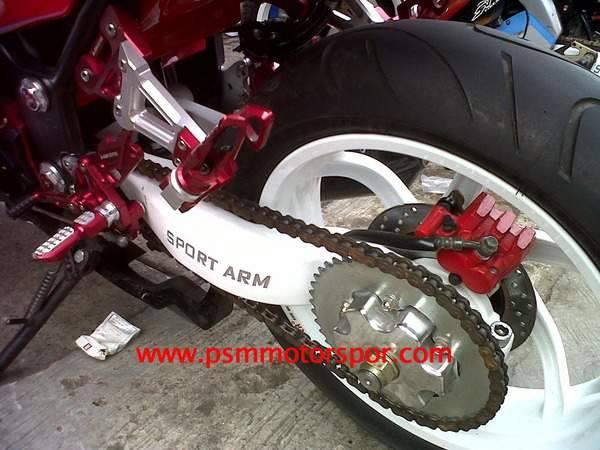 terpasang di sepeda motor, NS apa V-ixion ?