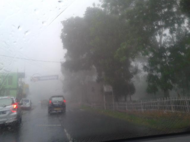 subang hujan dan kabut