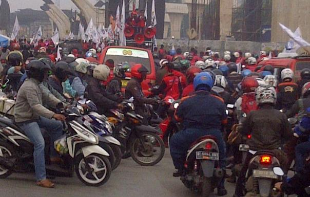 macet demo