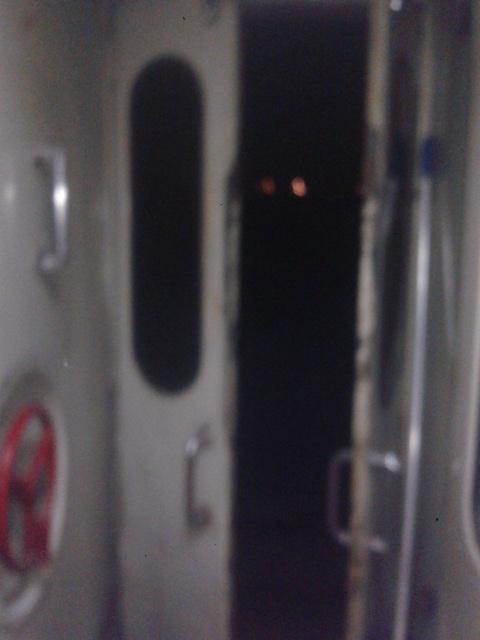 Pintu kereta ngubuka, meski selot pengunci sudah terpasang