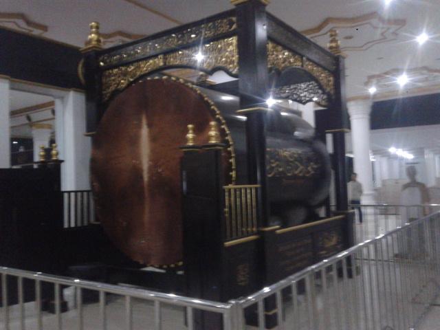 bedug terbesar sedunia di masjid Aliando Syarief