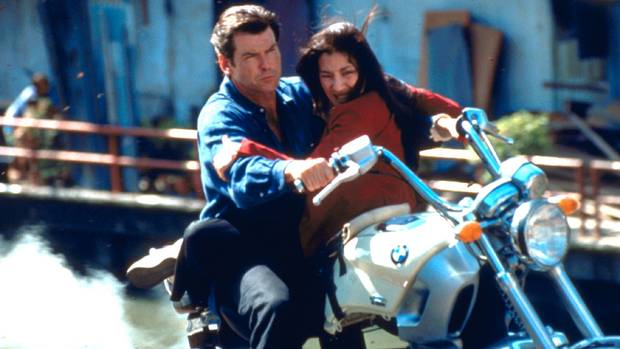 BMW R 1200 C in Tomorrow never dies