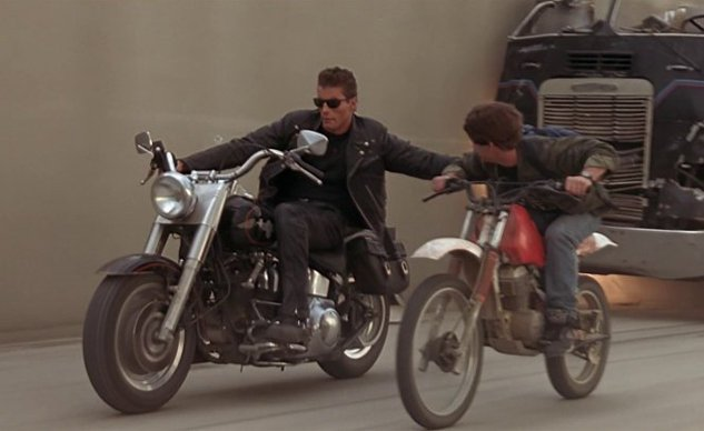 harley davidson - fatboy dan Honda XR-125 dalam Terminator 2