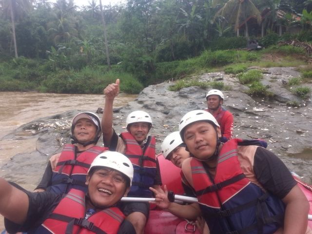 Rafting-cherokee-adventure-citatih-sukabumi-3