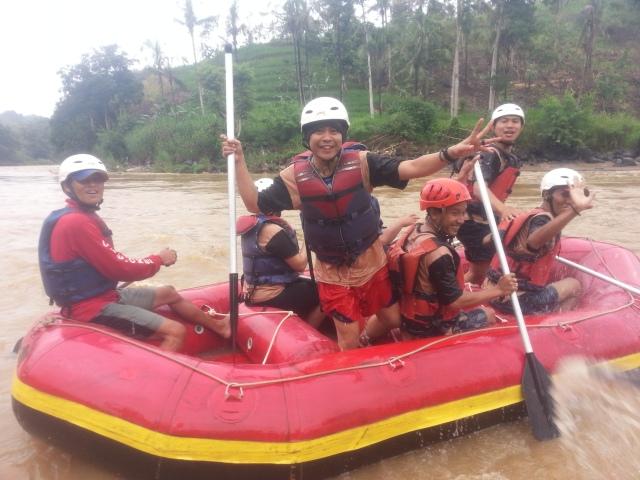 Rafting-cherokee-adventure-citatih-sukabumi-5