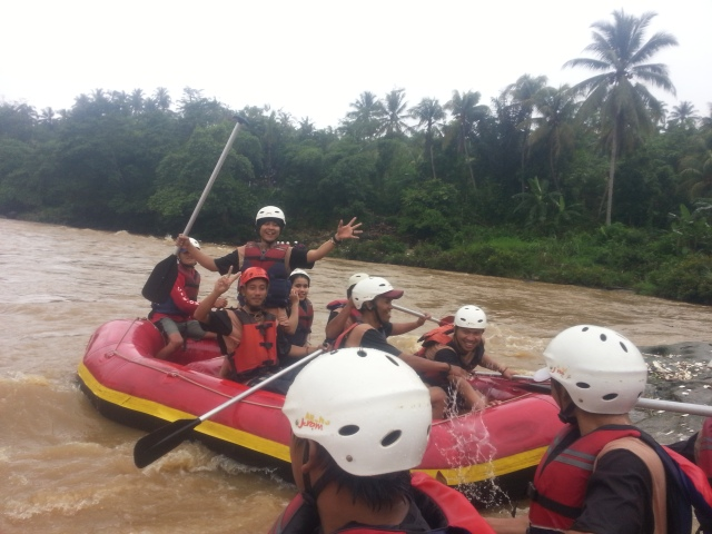 Rafting-cherokee-adventure-citatih-sukabumi-6
