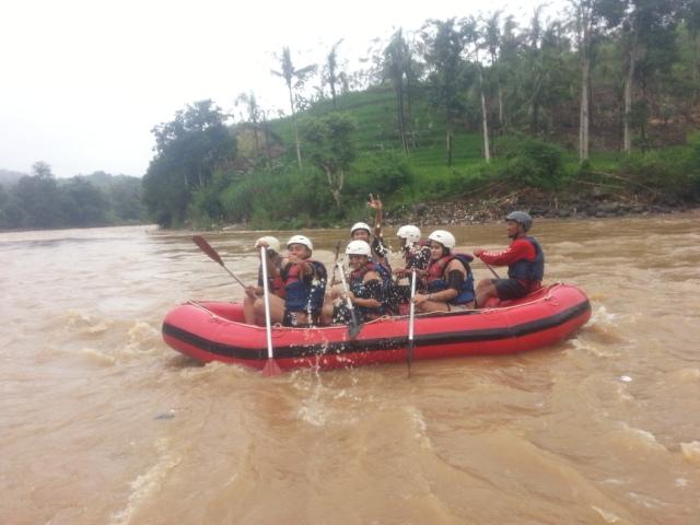 Rafting-cherokee-adventure-citatih-sukabumi-9