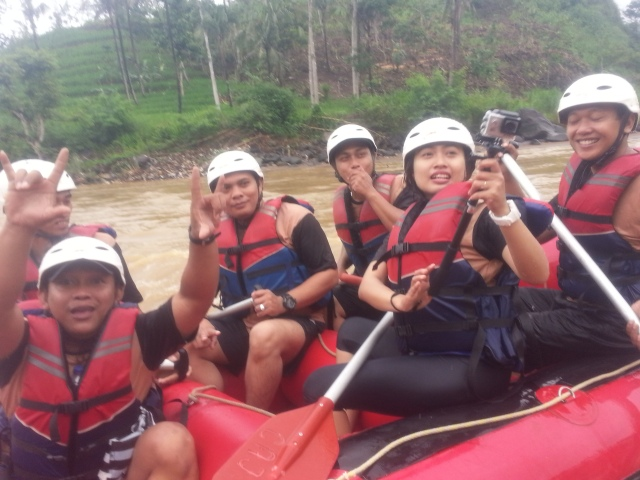 Rafting-cherokee-adventure-citatih-sukabumi