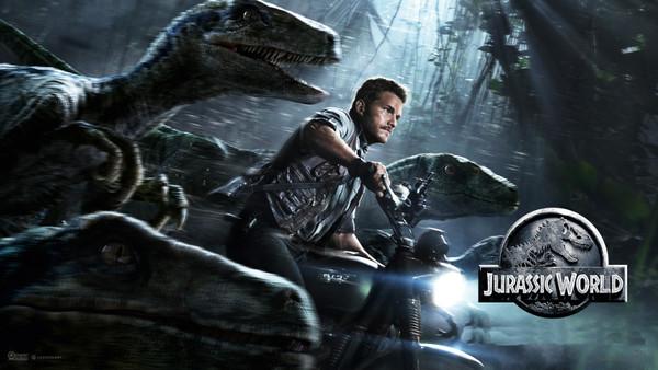Chris Pratt On Triumph Scrambler in Jurassic World